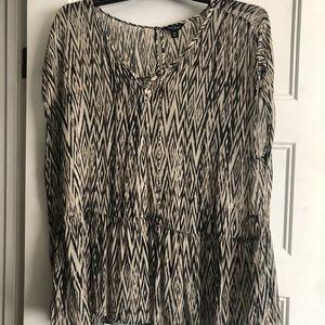 Lucky printed woven top